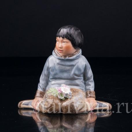 Статуэтка Гренландский мальчик, Royal Copenhagen, Дания, пер. пол. 20 в.