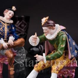 Антикварная фарфоровая композиция Кавалеры, играющие в бильбоке, Франция,, кон. 19 - нач. 20 вв.